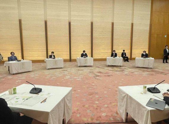 総理官邸で加藤官房長官、坂本孤独・孤立対策大臣にコロナ禍の親子への支援策を提言!